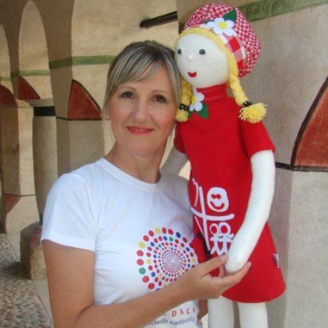 Slika profila Adela Dobrić